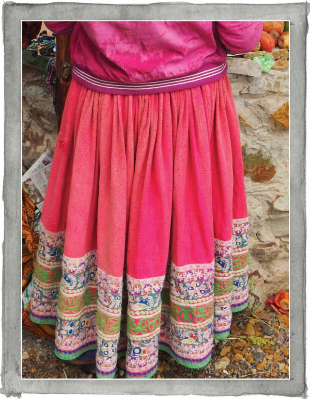 clothing of a Peruvian woman